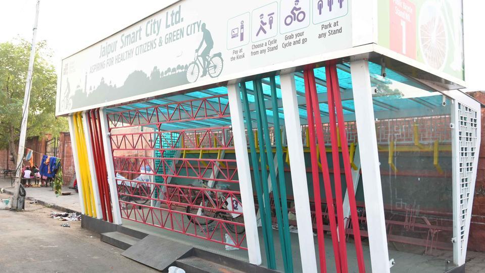 jaipur-bicycle-sharing-stand-bagh-photo-niwas_54b430c4-bd7e-11e7-922e-12a52d781256