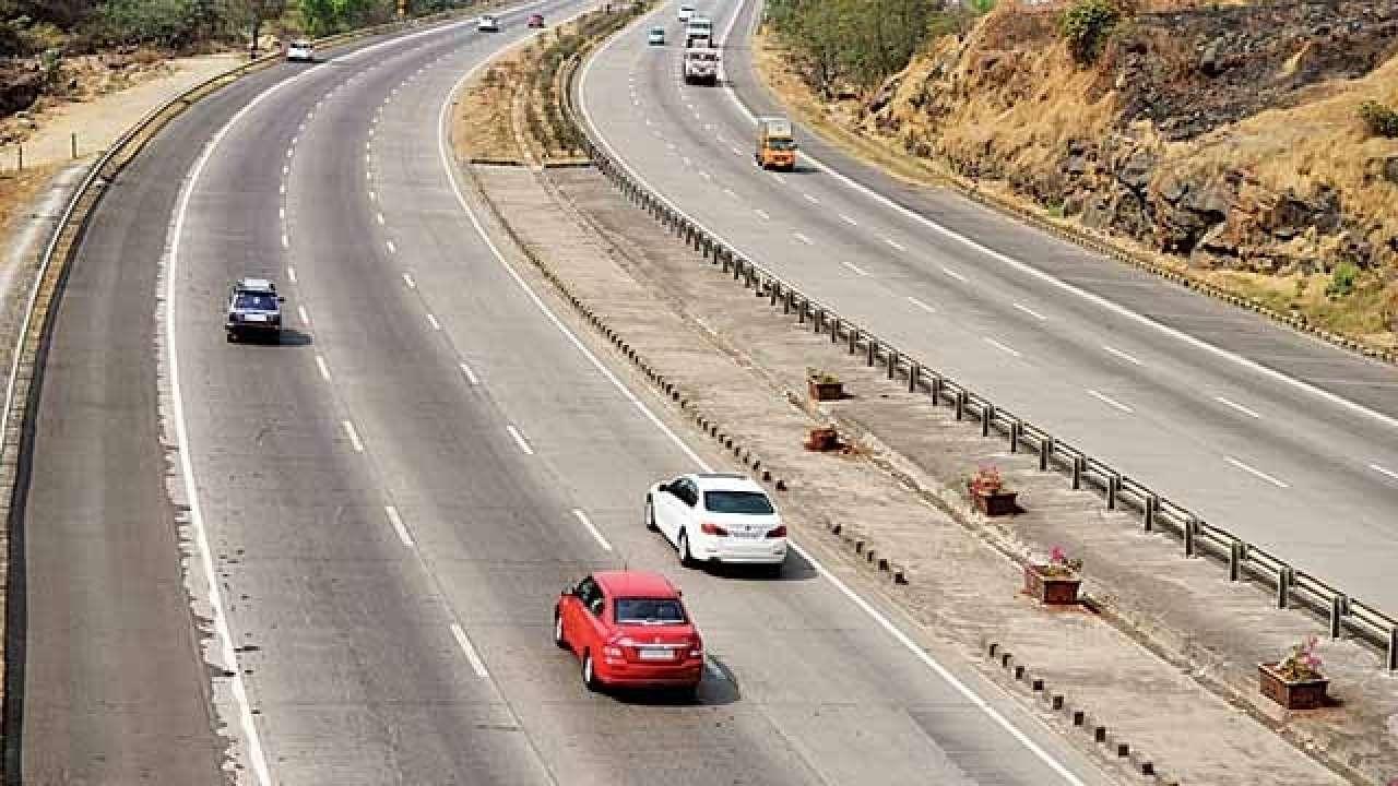 Smart Traffic Monitoring System to mend Pune-Mumbai expressway