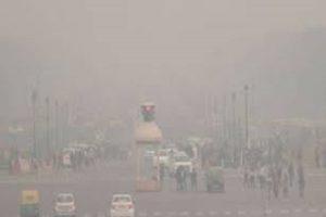 Cold wave & dense fog engulfs Delhi, AQI in 'severe' category